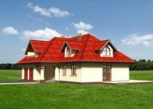Яркий загородный двухэтажный дом с просторным гаражом