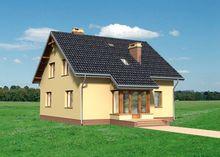 Интересный дом с эркером и верандами