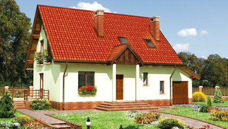 Живописный дом с высоким крыльцом и террасой
