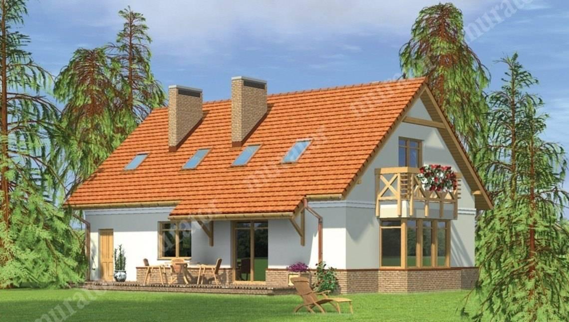 Красивый дом с большой мансардой