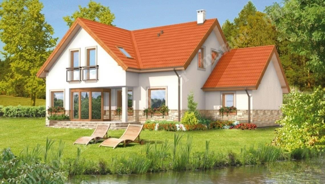 Жилой дом под красивой крышей