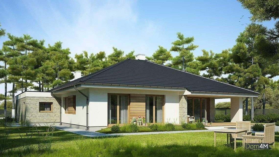Одноэтажный дом с огромными окнами в гостиной
