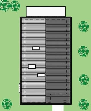 Двухэтажный дом с балконами для узкого участка